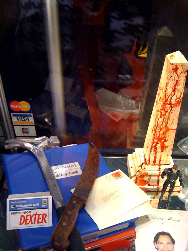 dexter-tools-comic-con-2009