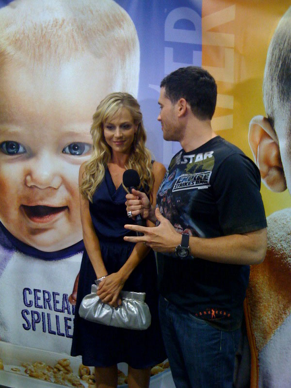 julie-benz-comic-con-2009