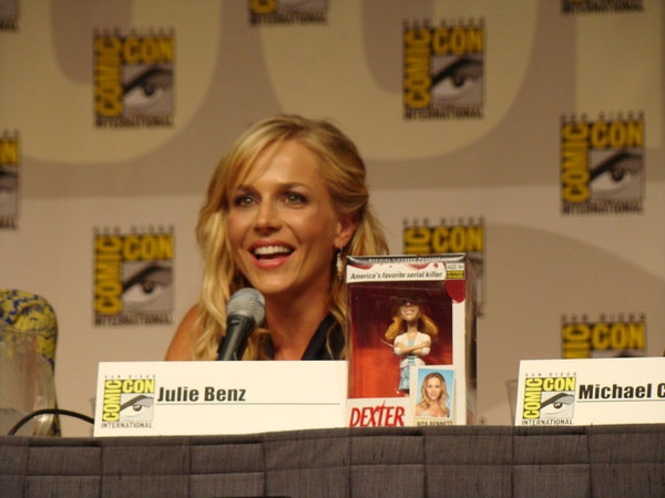 julie-benz-panel-comic-con-2009