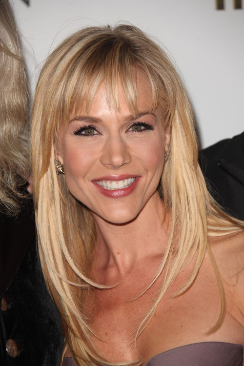 julie benz images. Julie Benz en la premiere de
