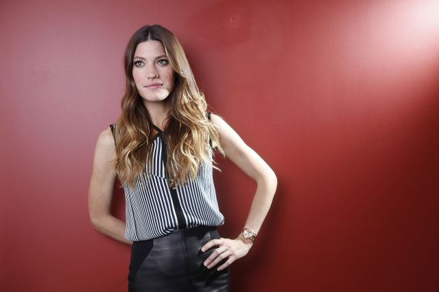 09156_Preppie_Jennifer_Carpenter_posing_for_Carlo_Allegri_portraits_in_NYC_22_122_493lo